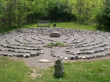 labyrinth-by-brainwise-2005-cc-by-nc-nd-2-0