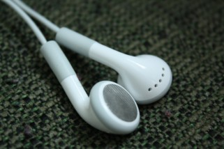 Earbuds 5-365 by Tim, CC BY 2.0
